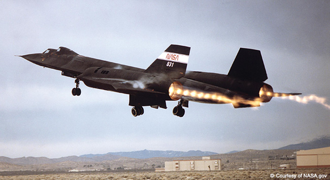 SR-71-Black-Bird-1