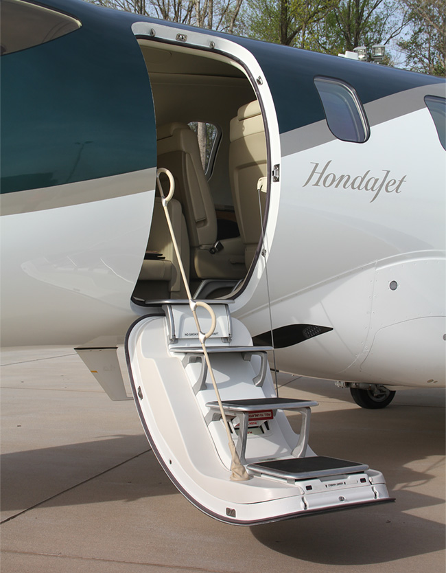 We fly it first hondajet arrives plane pilot magazine for Honda private jet