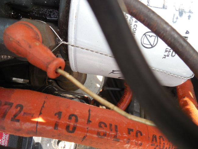 Oil filter safety wire