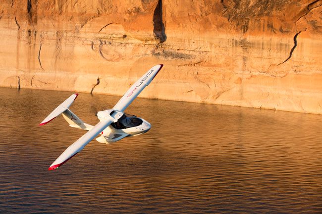 ICON Aircraft A5 low-level maneuvering