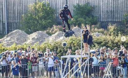 Video: Jet-Powered Hoverboard Splashes Down In English Channel