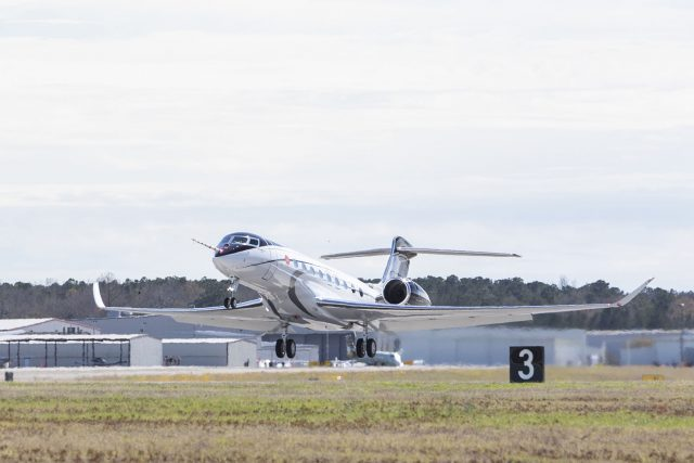 Gulfstream G700 Makes First Flight