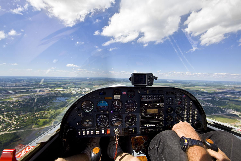 Sharing An Airplane During Coronavirus Outbreak? Tips For Avoiding COVID-19