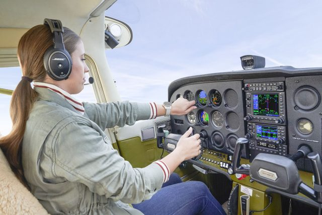 A pilot flying with Garmin's GI 275