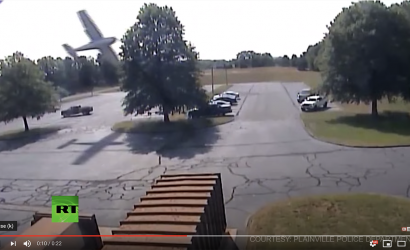 Cessna 172 Crashes Into Tree, Perfectly.