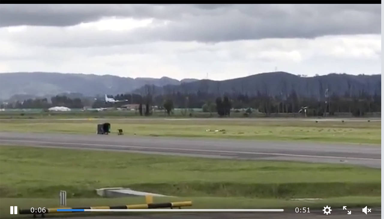 A King Air gear collapses in video.