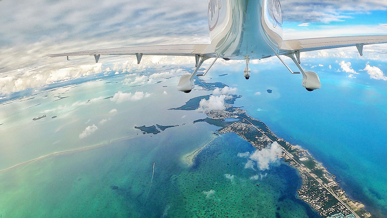 A Dreamy Airplane Island Scene . Photo by Eduardo Aching