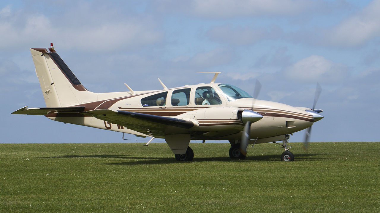 A Beechcraft Baron piston twin similar to the B-58 accident airplane, which crashed in Texas last year after running out of fuel. Photo by Ian Kirk.