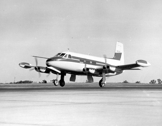 Cessna 620. Wikimedia Public Domain