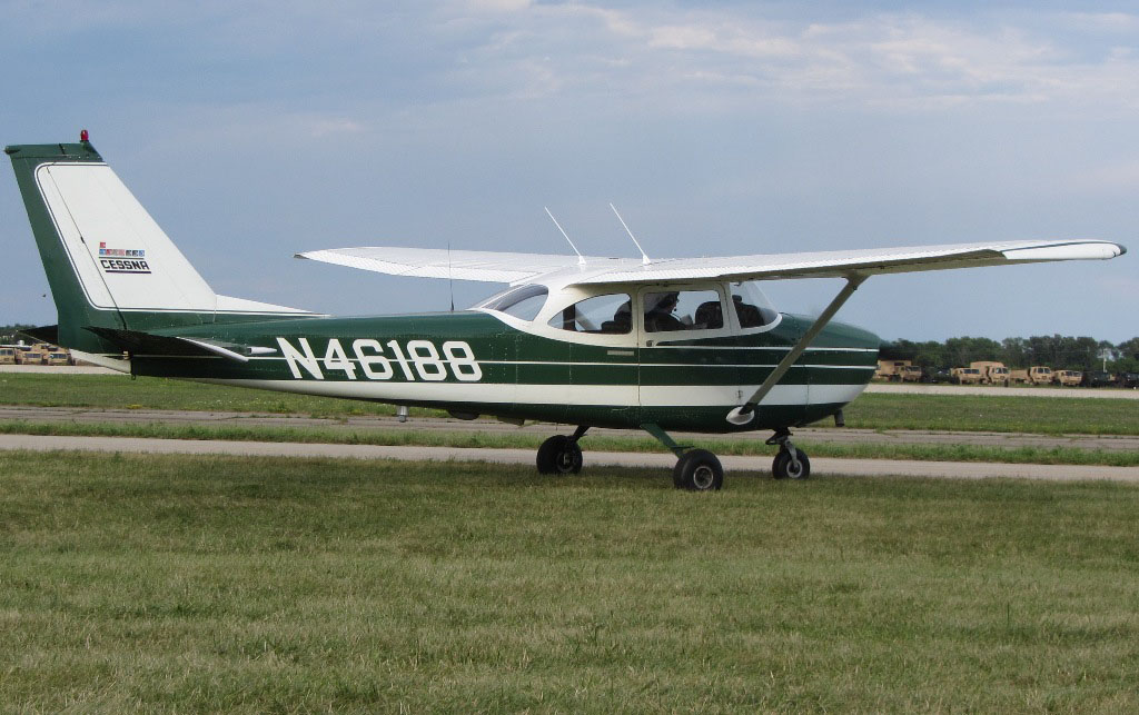A 1968 Cessna 172 with its distinctive original Cessna factory paint scheme. Early 172s came in bare metal with contrasting paint. Later ones, like this pretty example, are better protected from corrosion, both inside and out. Photo courtesy of wikipedia, Flugkerl2.
