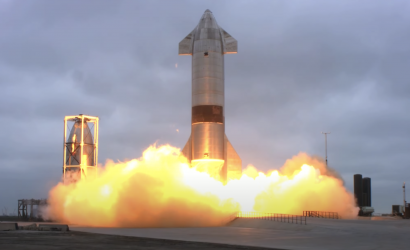 SpaceX Succeeds In Launching And Landing Its Big Spaceship