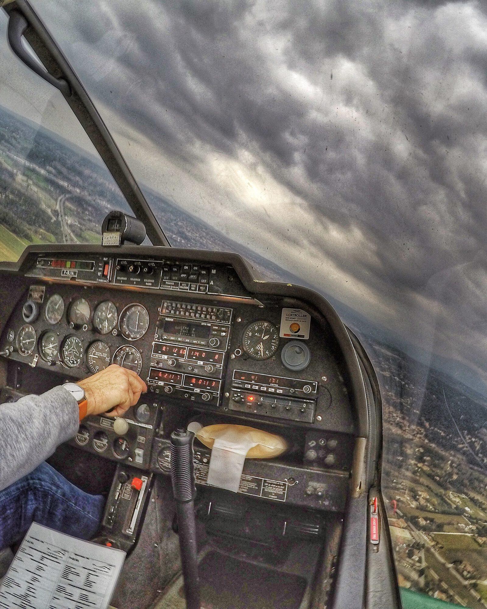 Robin DR400 cloudy flight