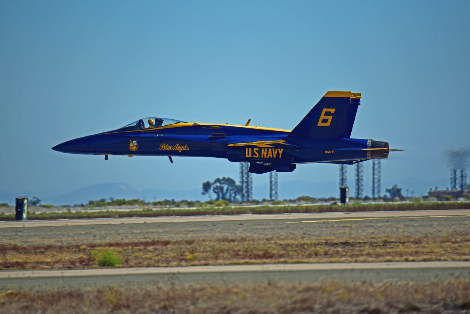 Blue Angels Solo #6 Low Altitude Transition