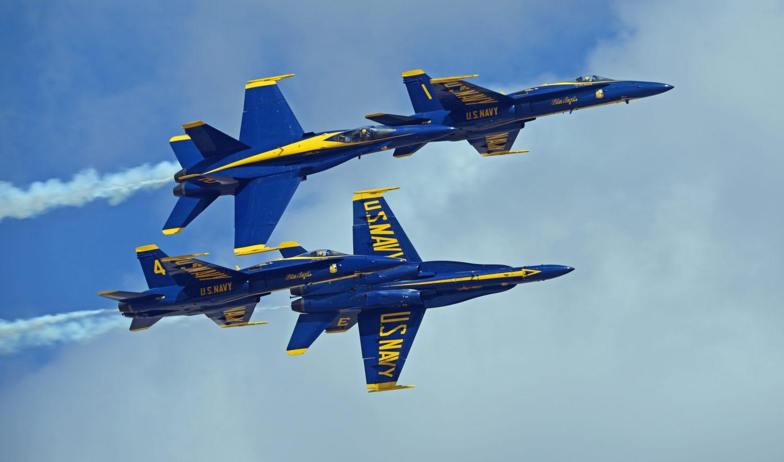 Blue Angels 4 Ship Overhead Break