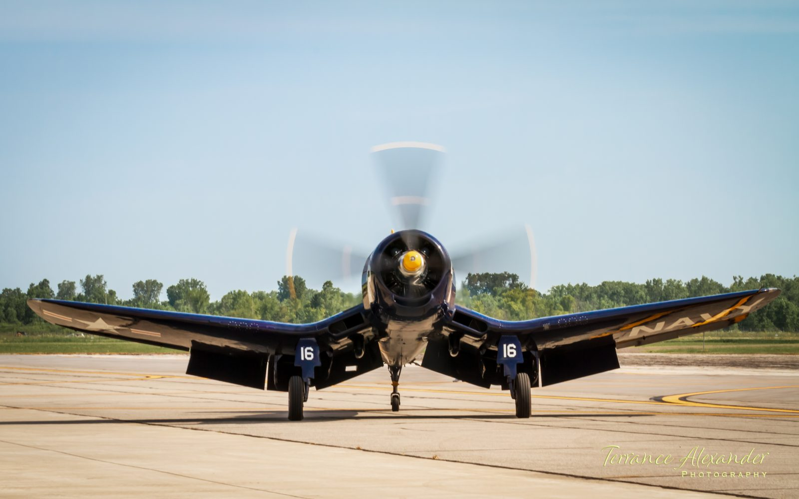 "F4U Corsair ""Korean War Hero"" – warming-up"
